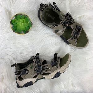 Teva Wraptor Outdoor Sandals Putty/Olive Size 10